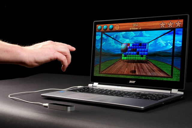 leap motion controller review front angle hand