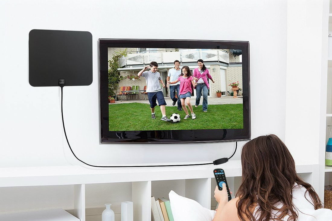 Watch the big game and save some cash with these digital TV antenna deals