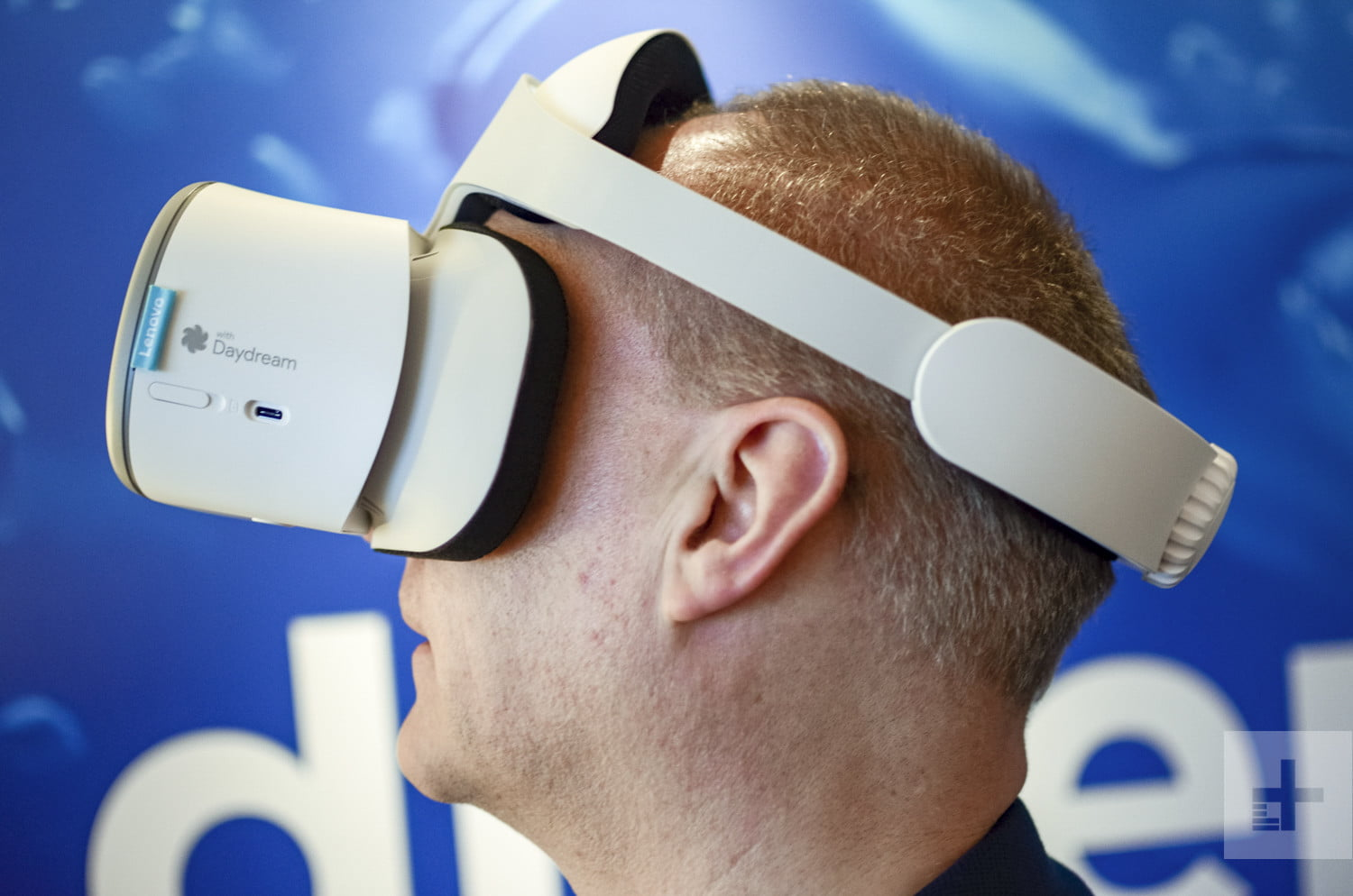 75569dbf9d7 Lenovo Unveils Stand-Alone VR Headset