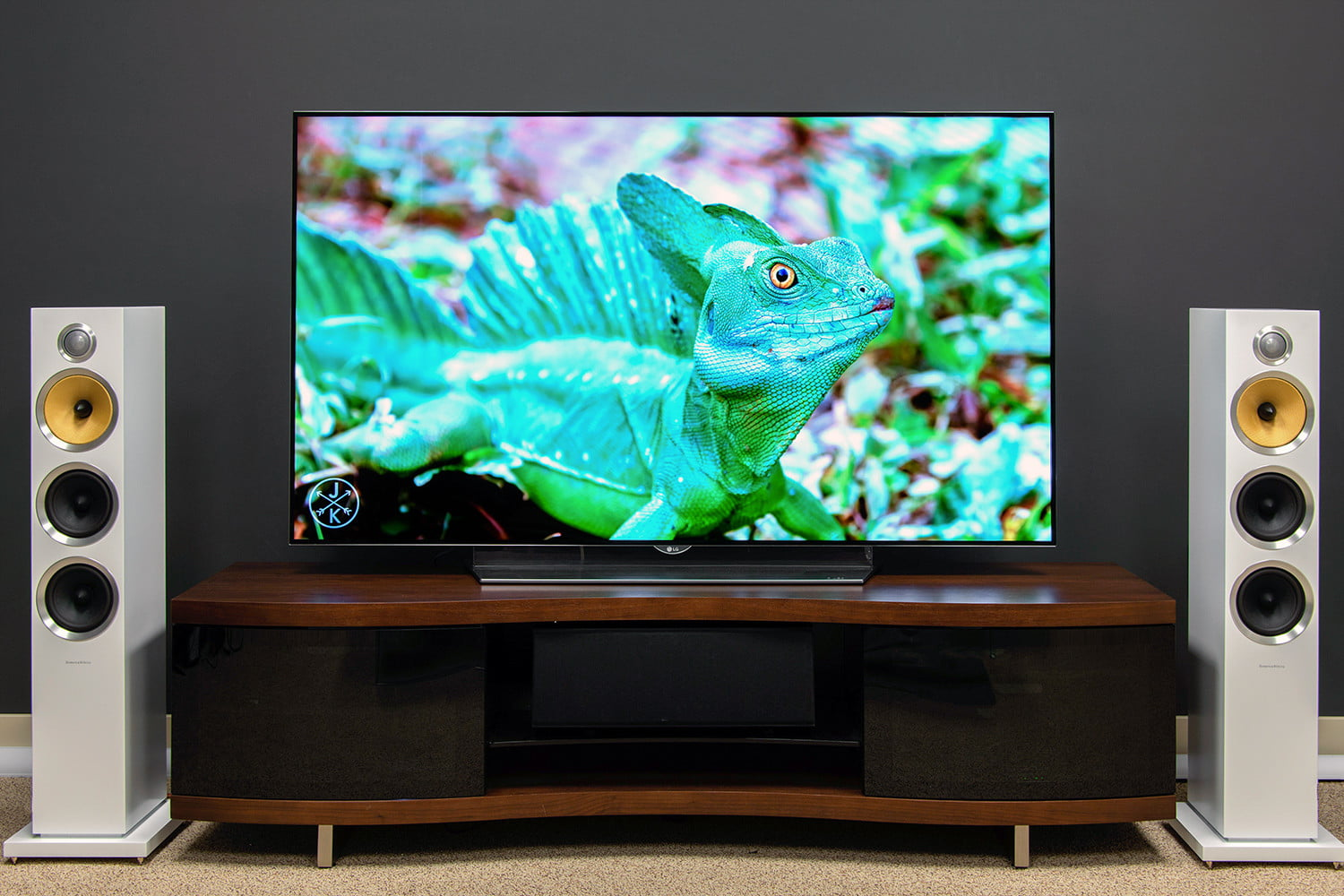 lg 65ef9500 oled tv review specs price and more. Black Bedroom Furniture Sets. Home Design Ideas