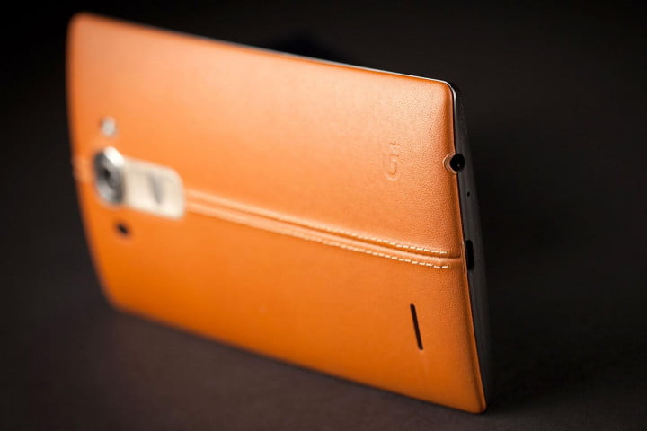 LG G4 leather update back side angle