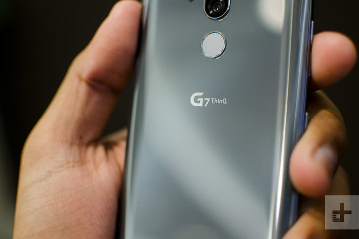 lg g7 thinq hands on model logo 2