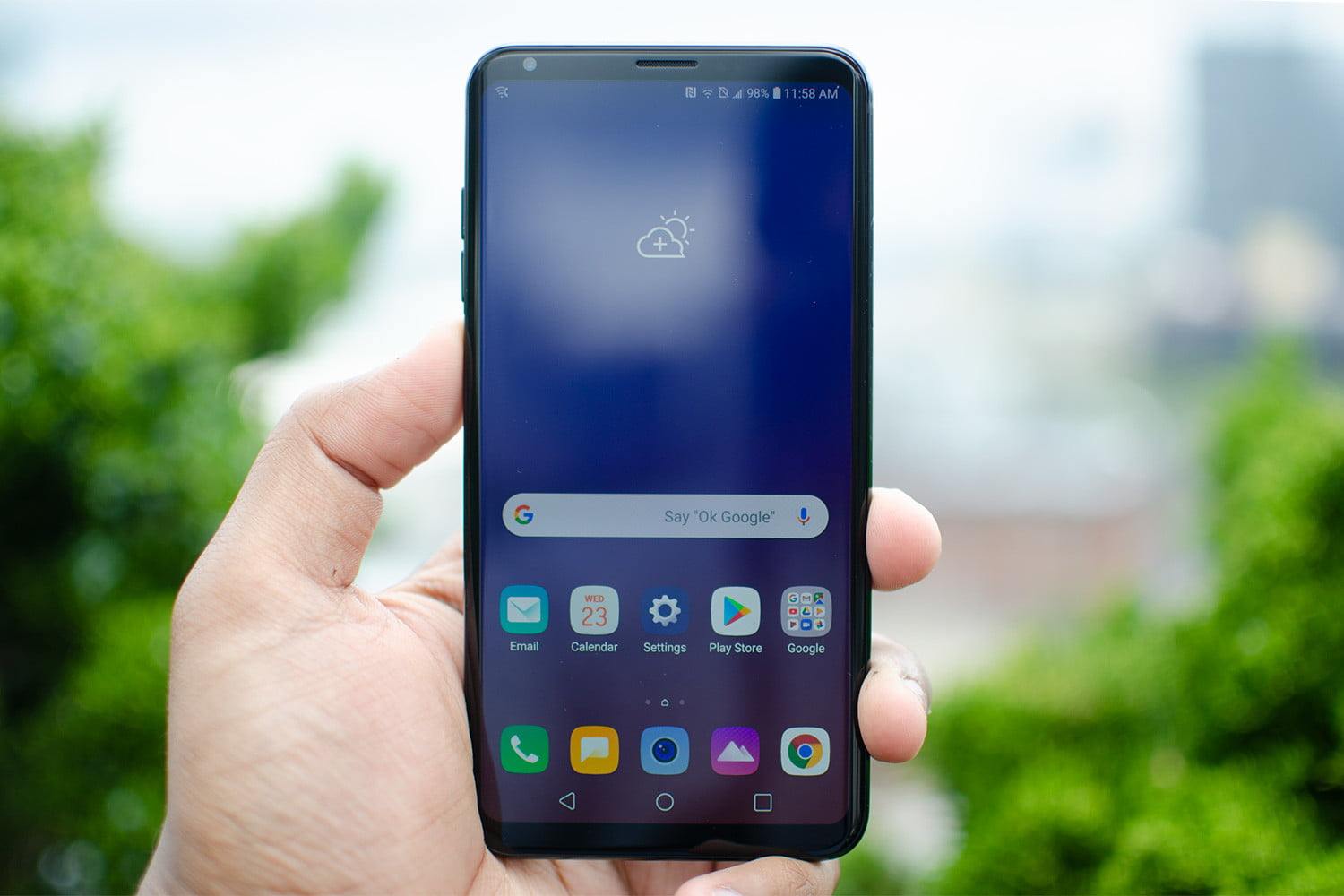 LG V35 ThinQ Vs  OnePlus 6: Can LG's Latest Beat an Android Favorite