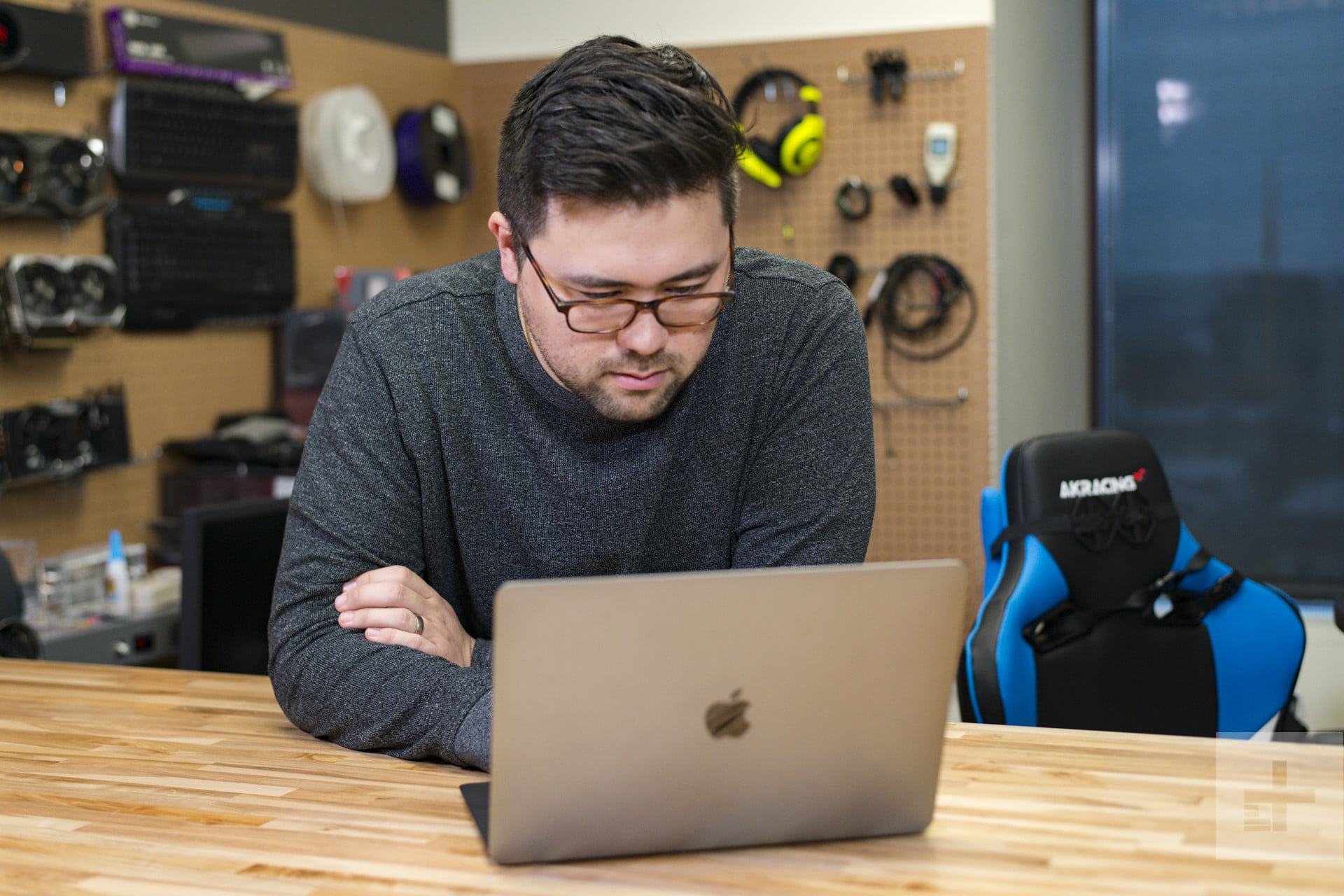 Your Apple MacBook Keeps Restarting  Here's What's Going Wrong