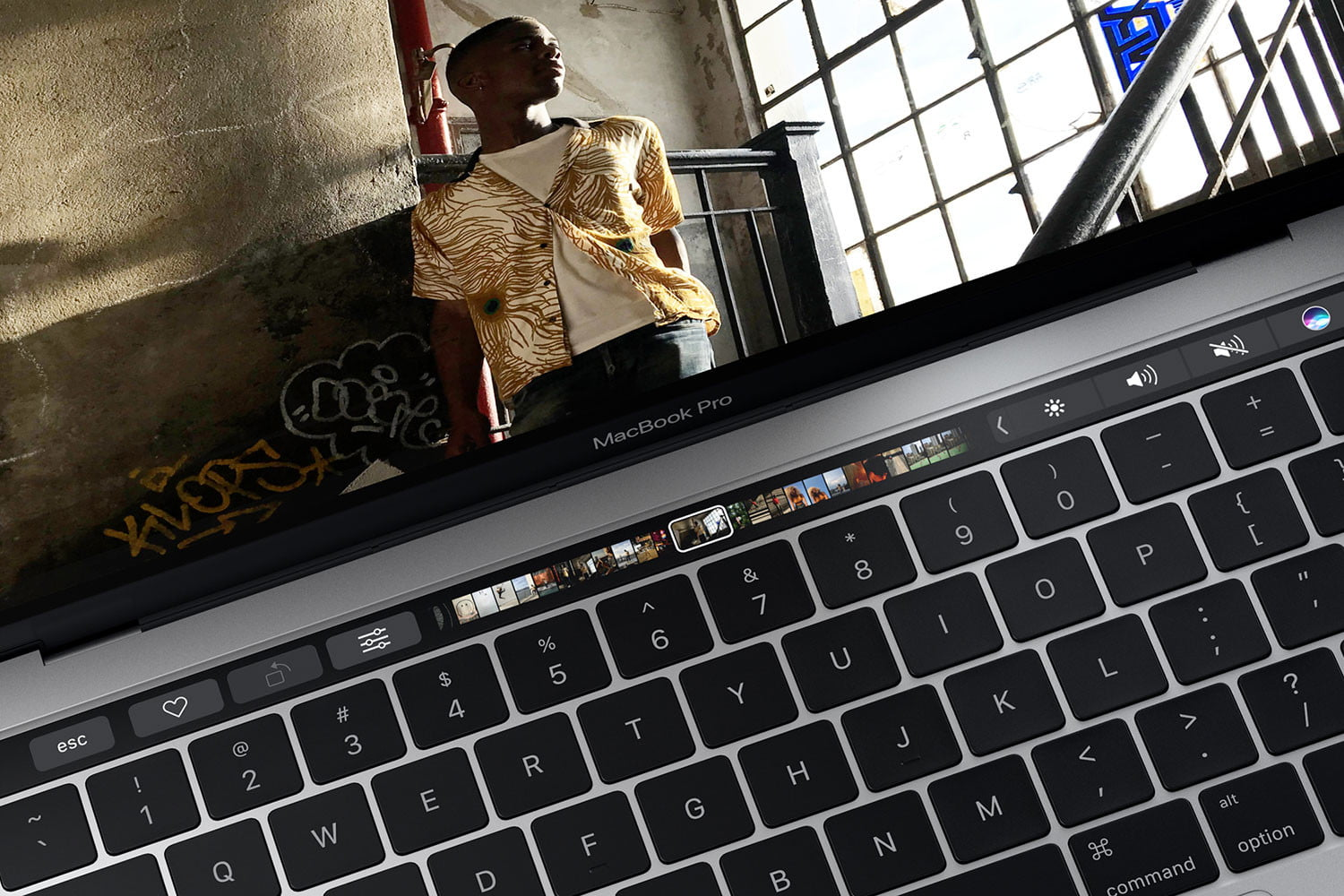 hp spectre x360 convertible vs macbook pro 13 inch 2016 main
