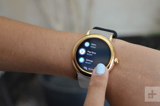 65edef870783 Marc Jacobs Riley Touchscreen Smartwatch Review