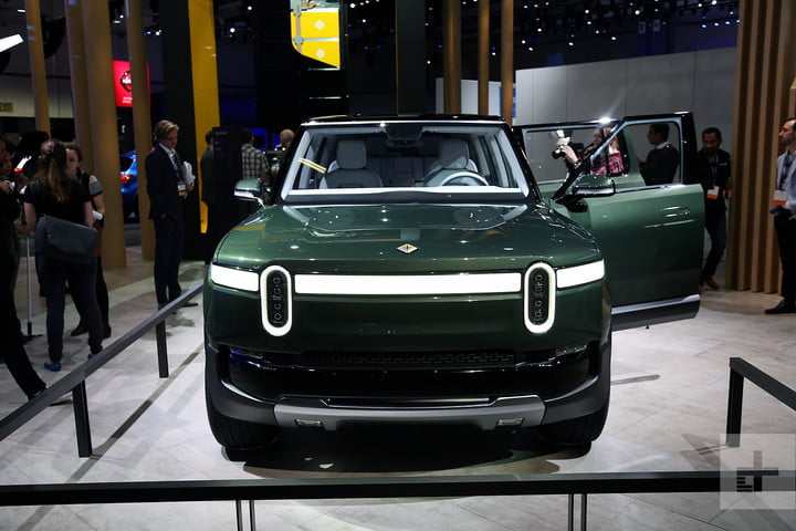 rivian r1s electric suv mb 1