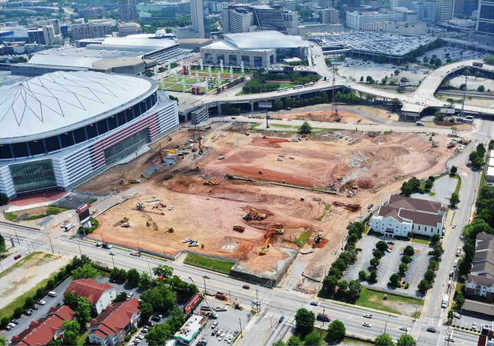 dt10 fans and players compete for stardom in the stadiums of future mercedes benz stadium construction 1