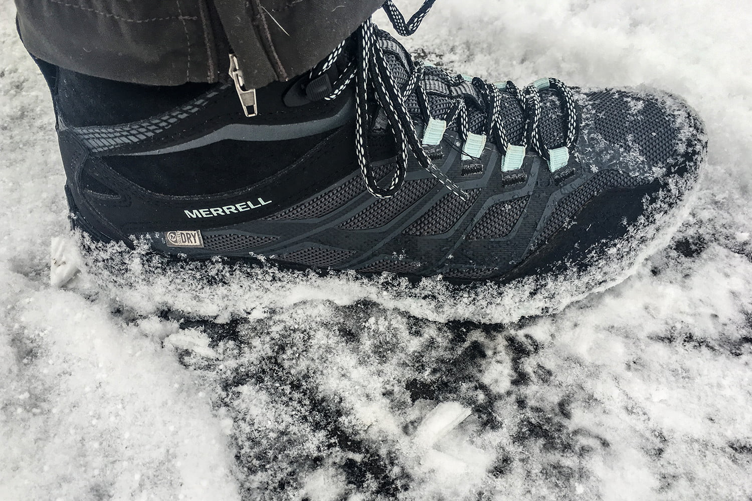 b70347d2845 Vibram Arctic Grip Sole Review | No-Slip Boots 'Stick' To Ice ...