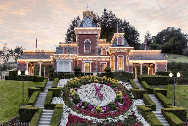 michael jacksons neverland ranch for sale 100 million jackson flowers