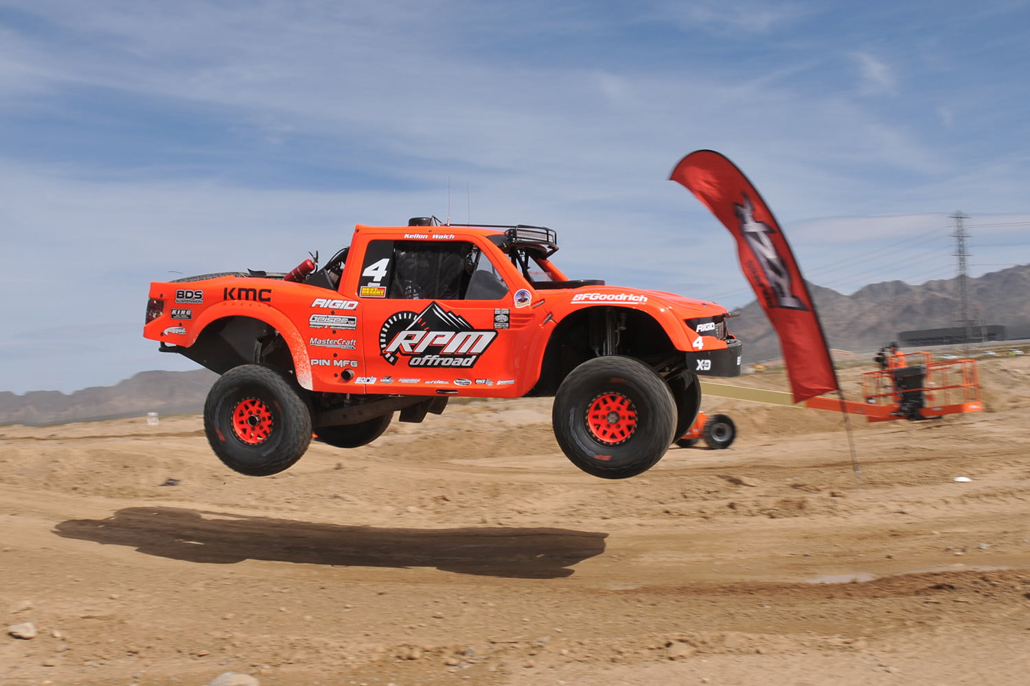 the mint 400 is america s greatest off road race digital trends. Black Bedroom Furniture Sets. Home Design Ideas