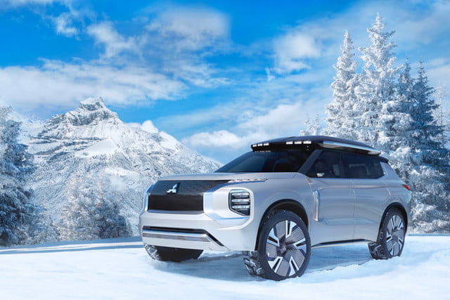 Out of gas? Mitsubishi's Engelberg Tourer concept can recharge with solar panels