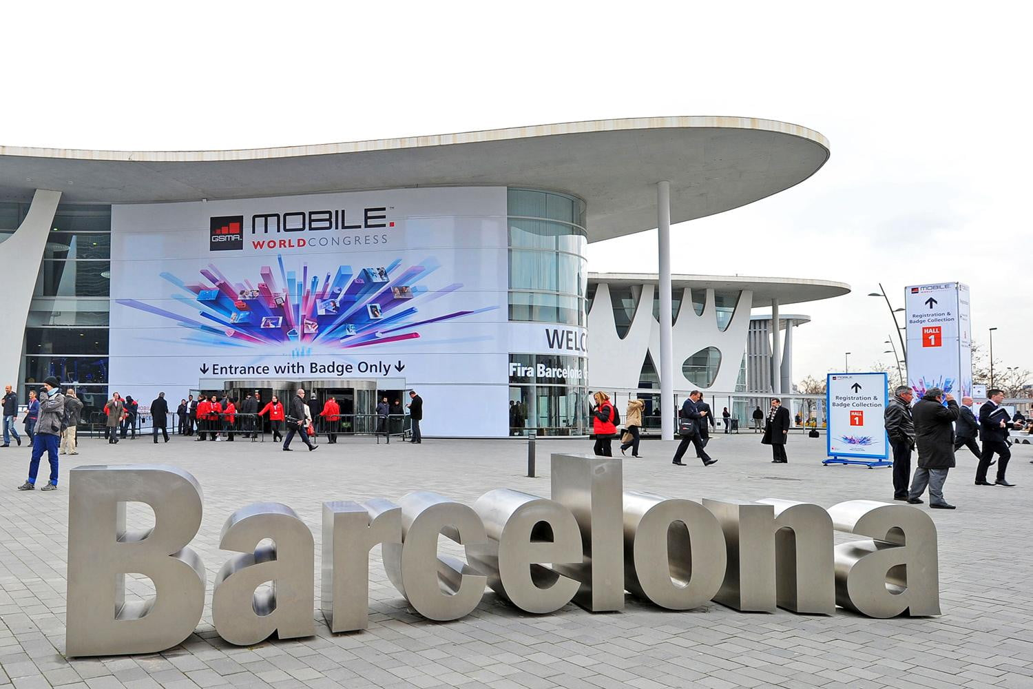 5G, foldable phones, and magic-like gestures will take center stage at MWC 2019