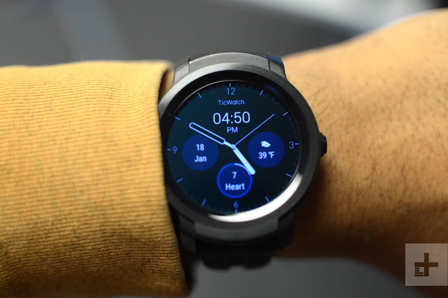 97e62a7ef Best Smartwatch of 2019: Options For Apple And Android Fans ...