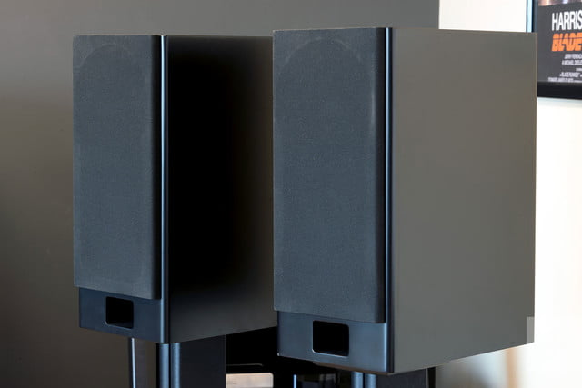 Monoprice Monolith K Bas Review Speakers Covered