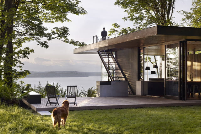 The best part of this minimalist Pacific Northwest cabin is outside the  window