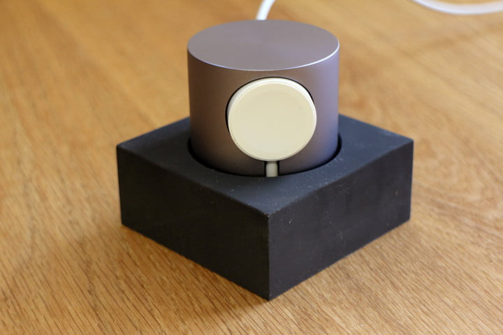 hands on native union dock for the apple watch 0004
