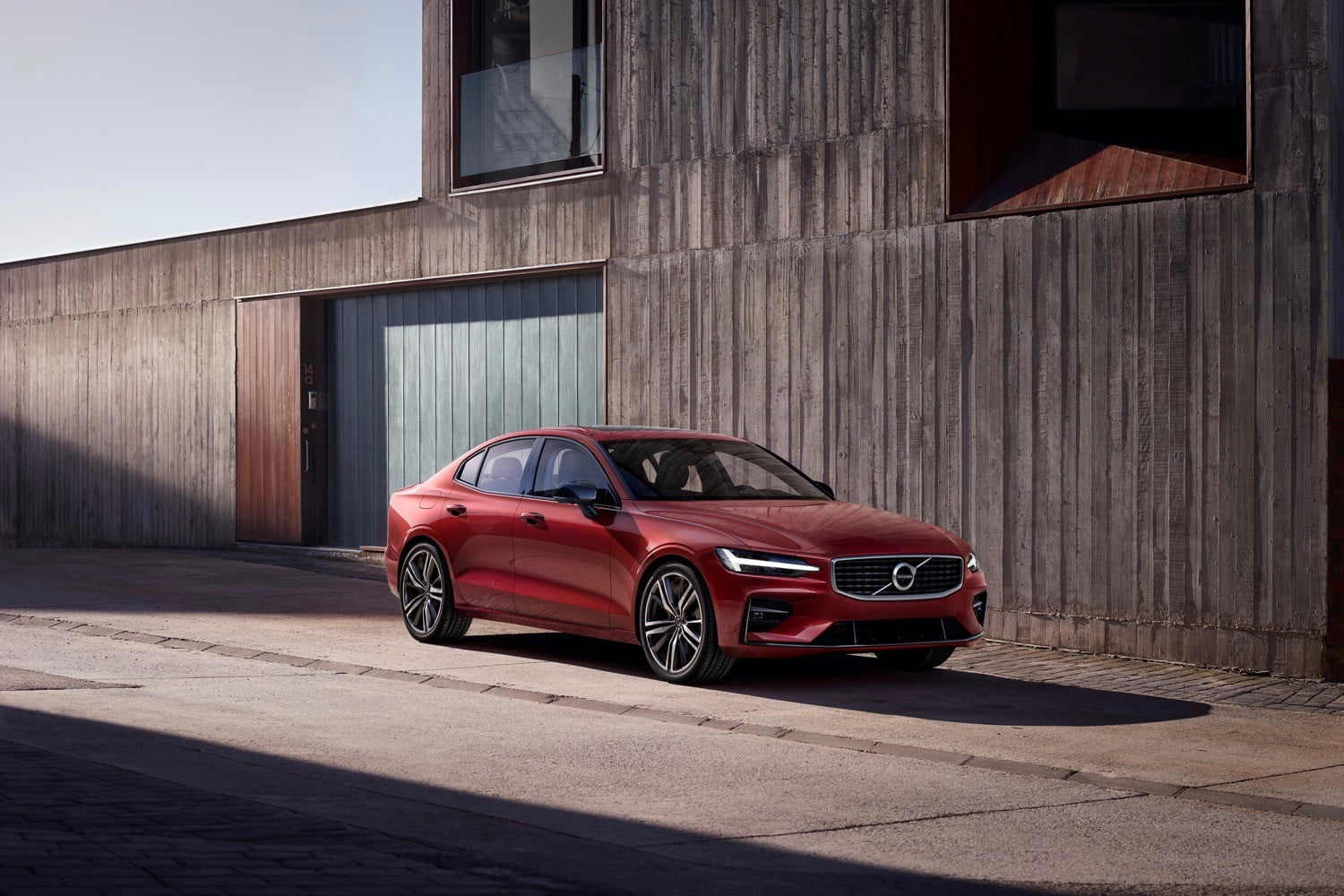 Volvo to impose a 112-mph speed limit on its cars in the name of safety