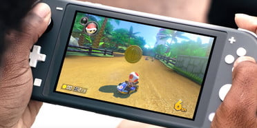 Nintendo Switch vs  Switch Lite: Does Portability Compete With