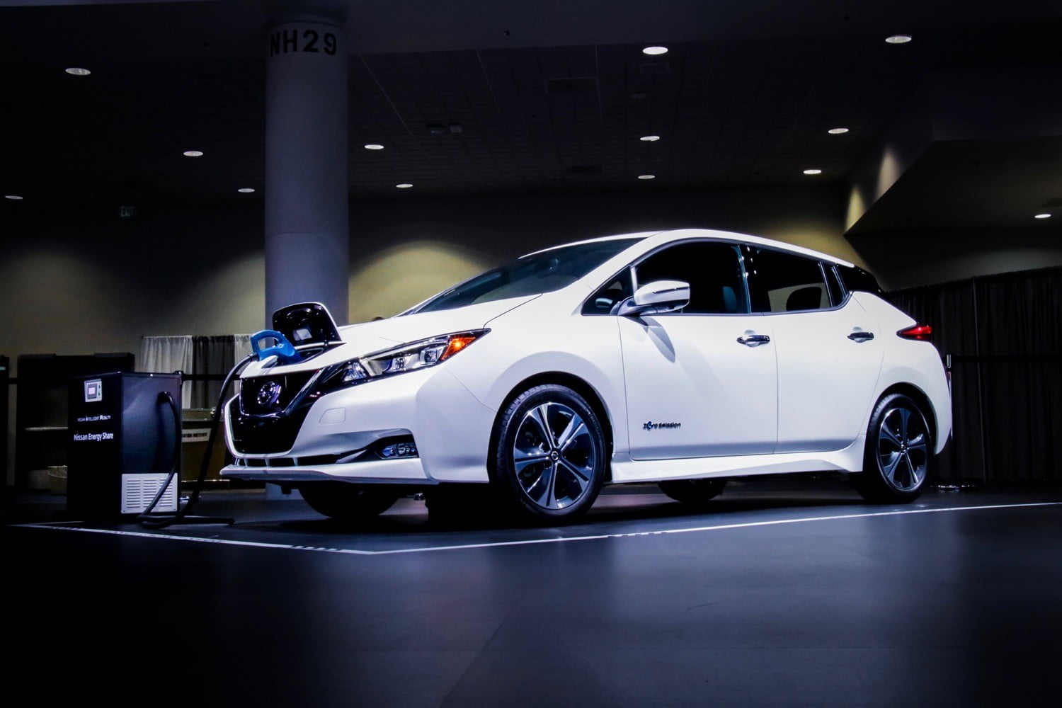 Leaf Electric Car Batteries Can Outlast Vehicles By Up To 12 Years Nissan Claims