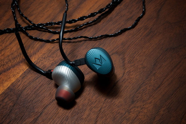 noble audio kaiser encore sage in ears 1
