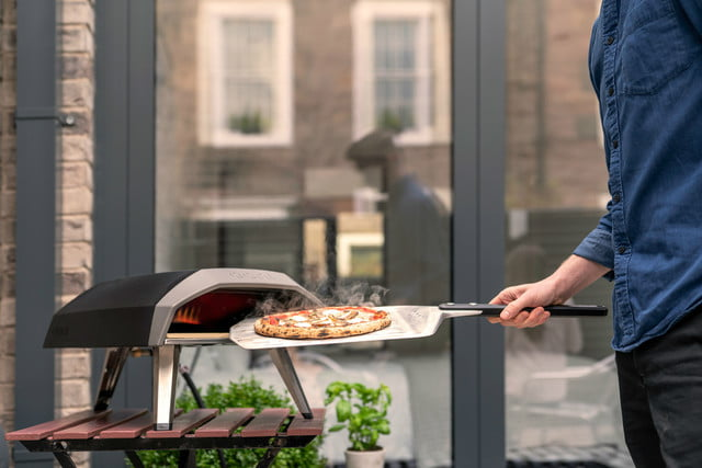 ooni koda 60 second pizza oven lifestyle