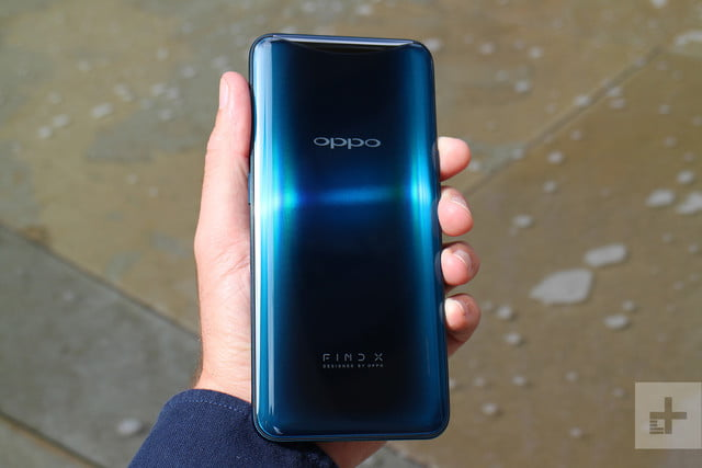 Oppo Find X back in hand