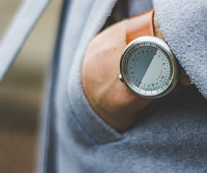Look Ma, no hands! The Horizon watch discards tradition for daring simplicity