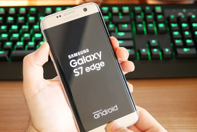 How to Factory Reset a Samsung Galaxy S7 or S7 Edge ...