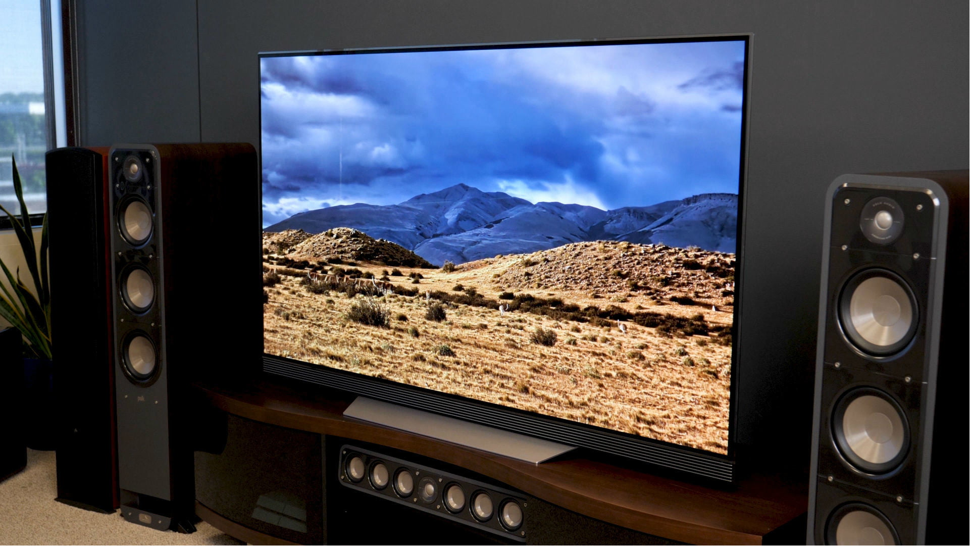 lg e7 oled tv unboxing and setup get this 4k tv performing for you new york city blog. Black Bedroom Furniture Sets. Home Design Ideas