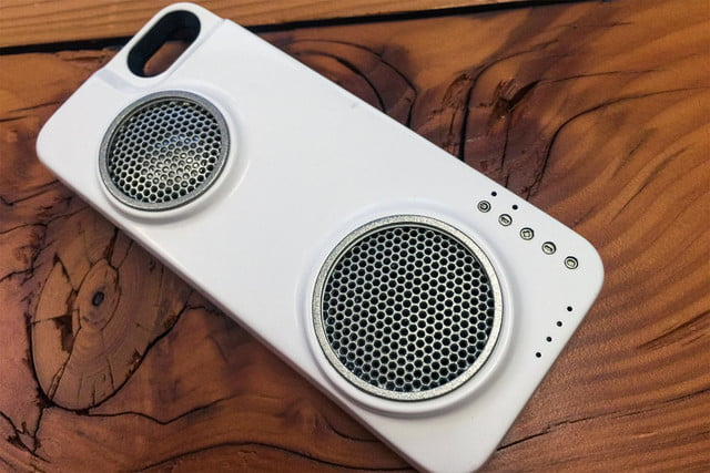 Peri iPhone case with speaker 2