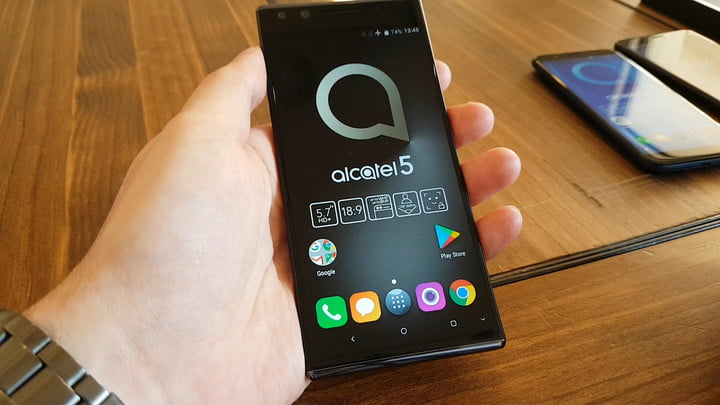 Alcatel 5 Series Smartphones – Hands On at MWC 2018