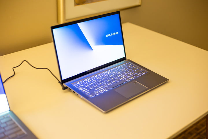 Asus Zenbook 13S – Hands On at CES 2019