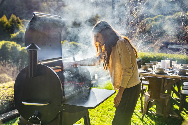 traeger 2019 new grills pro 780 aptos people at grill 015