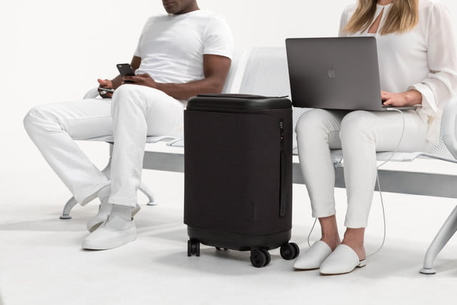 incase proconnected 4 wheel hubless roller smart luggage blends high design with large capacity battery lifestyle 0300