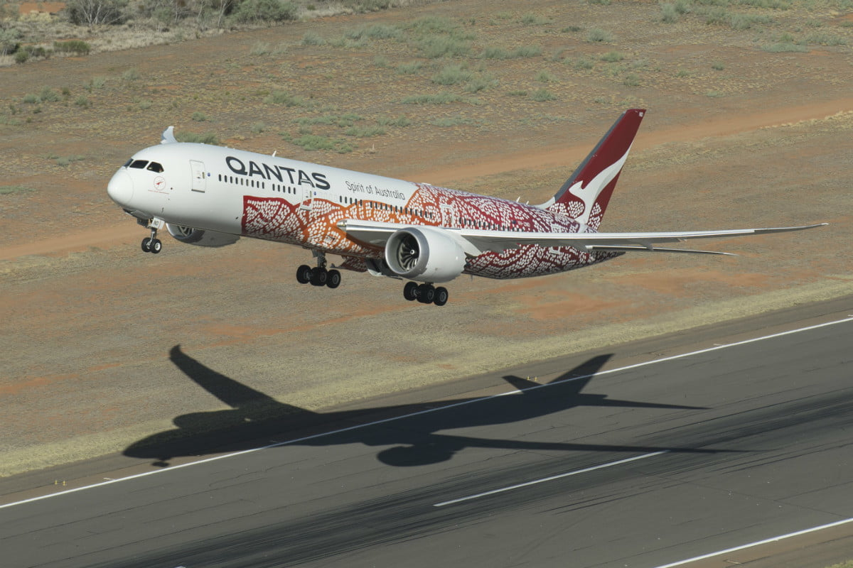 After 17 Hours, First Nonstop Flight From Australia to U K