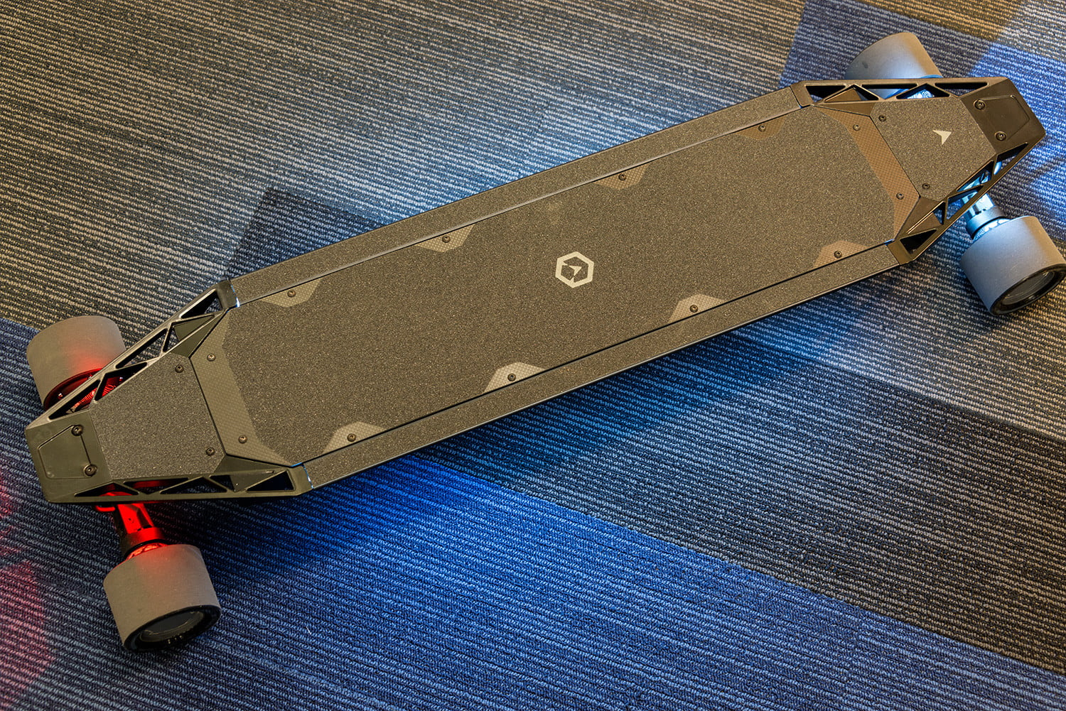 best electric skateboards quatro1 - Elektrisches Skateboard Des Bankrades
