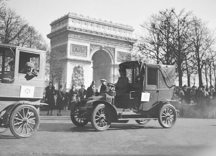 Paris plans to ban older cars from its city center by 2020 | Digital ...