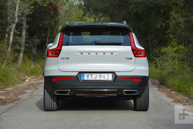 2019 Volvo XC40 first drive review back full