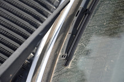 How to Change Your Windshield Wipers   Digital Trends