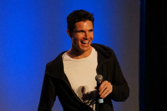 netflix arq leads casting robbie amell fingas flickr