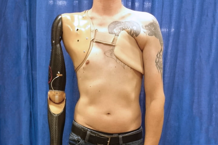 Groundbreaking new prosthetic translates spinal cord signals into movement