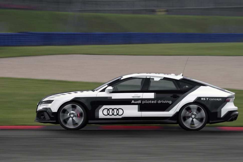 Audi Piloted Driving >> Audi Rs 7 Piloted Driving Concept Offical Specs And Videos