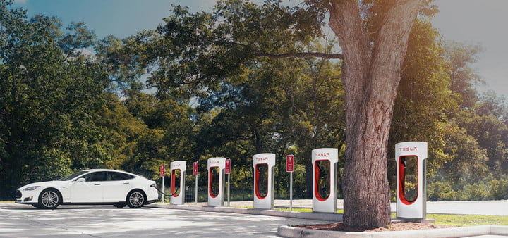 Tesla asks customers to stop hogging Supercharger stations, when only some are