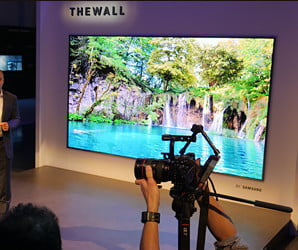 Samsung The Wall MicroLED and 85-inch QLED TV   First Look Video