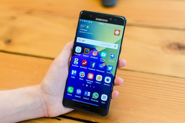 Class-action lawsuit launched in U S  over Note 7 debacle
