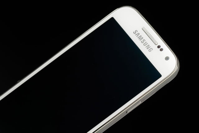 Samsung-Galaxy-S4-Mini-angled-right