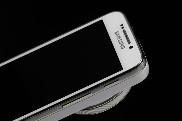 Samsung-Galaxy-S4-Zoom-upper-half-of-phone