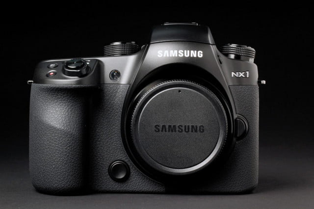 Samsung NX1 front closed