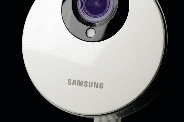 Samsung SmartCam HD Pro close